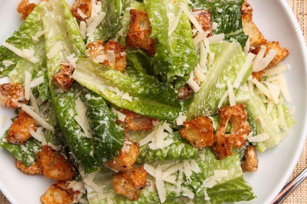 Smoked chicken & Caesar salad bowl